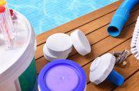 Wieviel Chlor im Pool ist schädlich: Die richtige Dosis finden