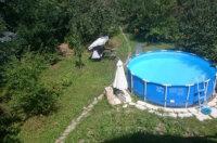 Runder Pool im Garten: Eine beliebte Form des Aufstellens